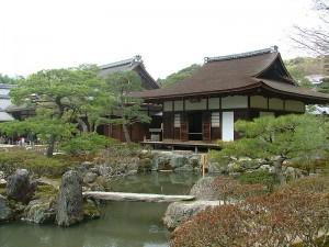 800px-Ginkakuji_Temple_Togudo_2009_059[1]