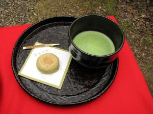 Matcha_and_wagashi_by_MShades_at_Daigoji,_Kyoto[1]
