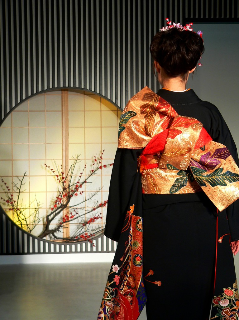 Kimono_backshot_by_sth[1]